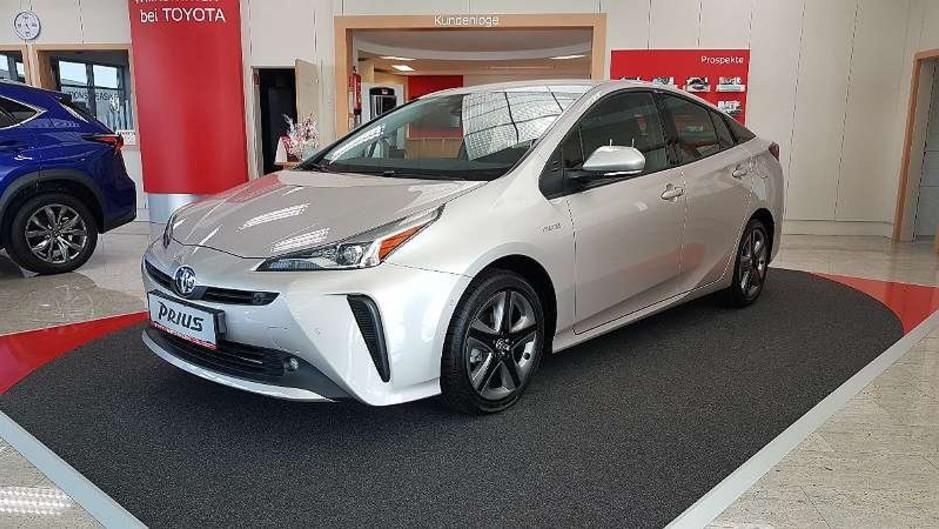 Toyota Prius 1,8 Hybrid Allrad-AWD Lounge Sipa Multimedia Top Ausstattung!!!